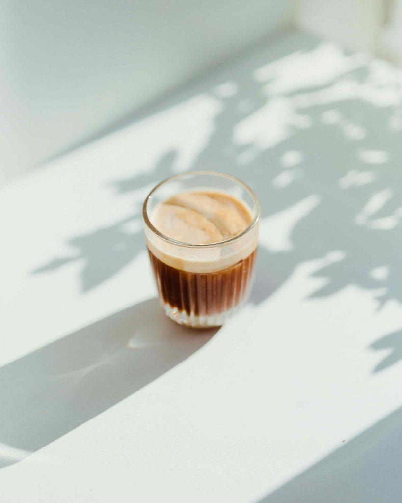 café expreso en vaso