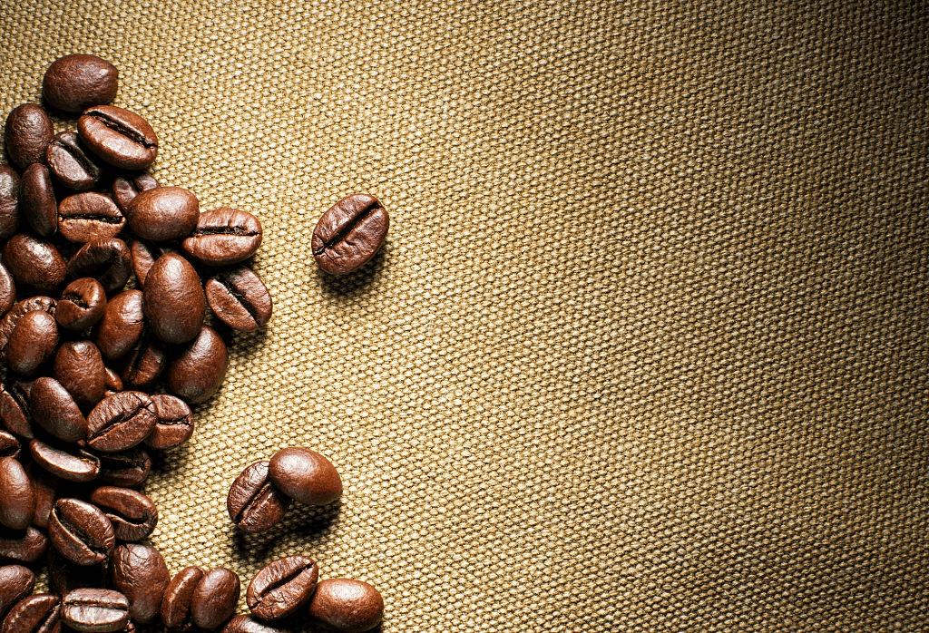 café sobre una tela