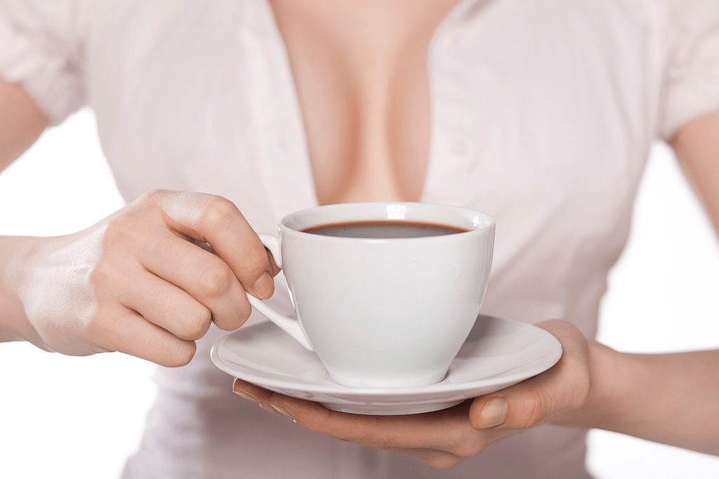 café y tamaño de los senos