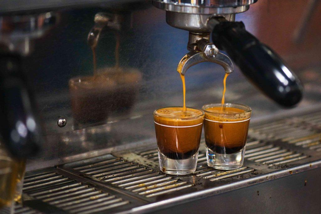 dos cafés expresos