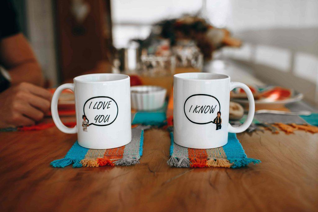dos tazas de café juntas