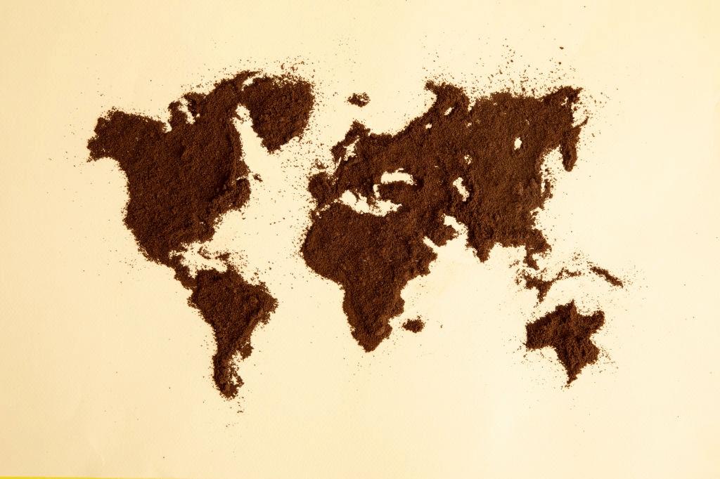 mapa hecho de café molido