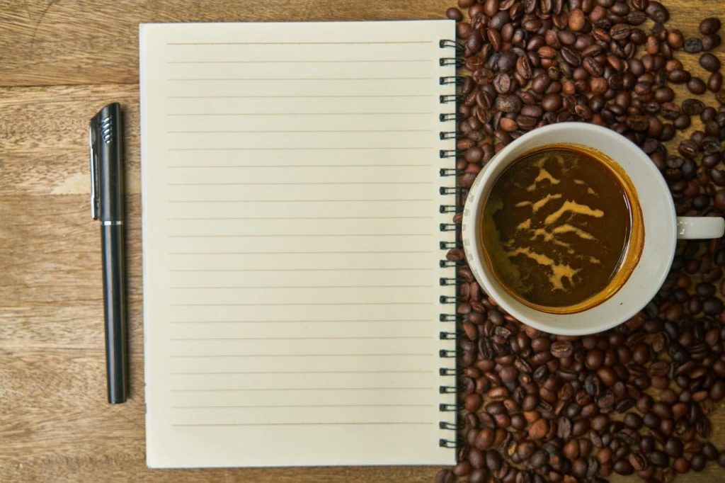 café orgánico y libreta