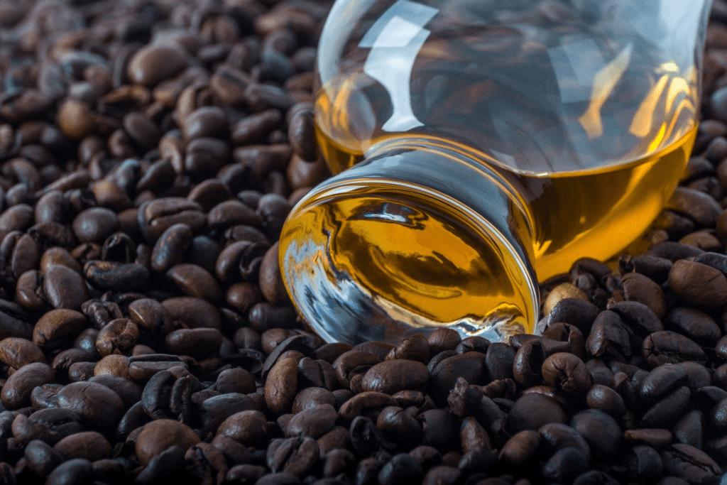 whisky escocés con café