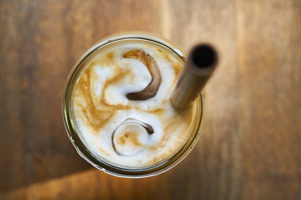 cafe helado con hielo