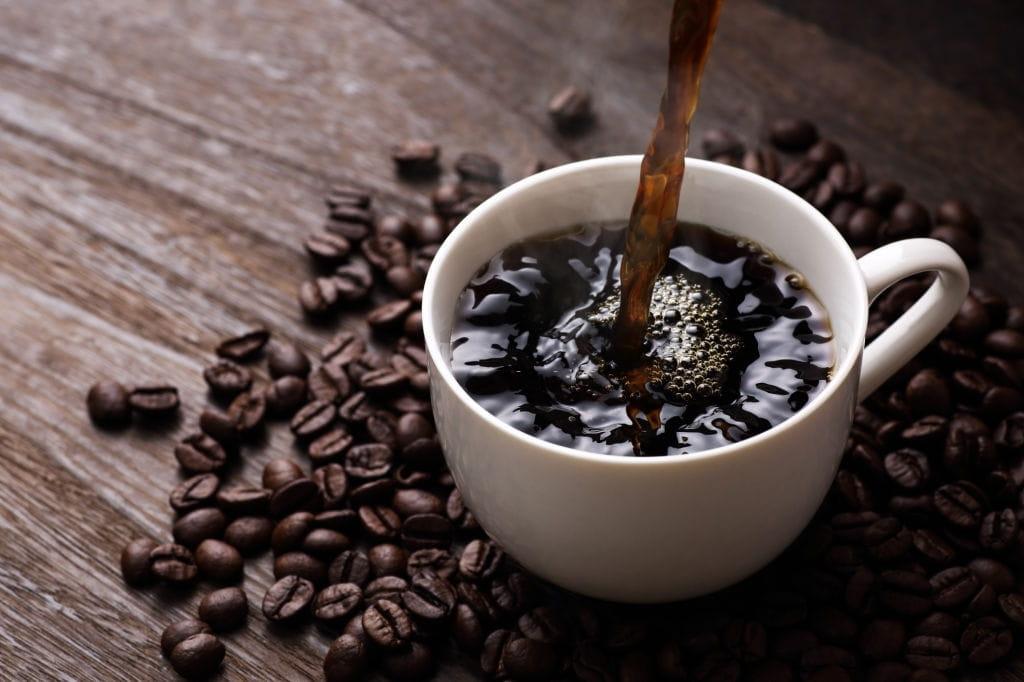 la cafeína es adictiva