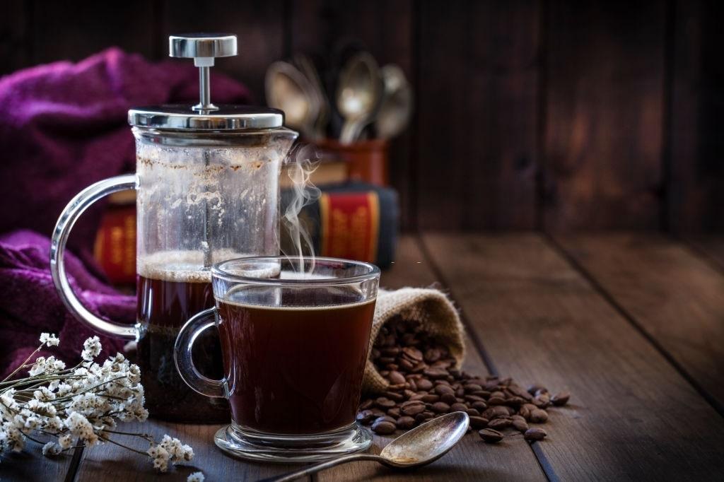 origen de la cafetera francesa