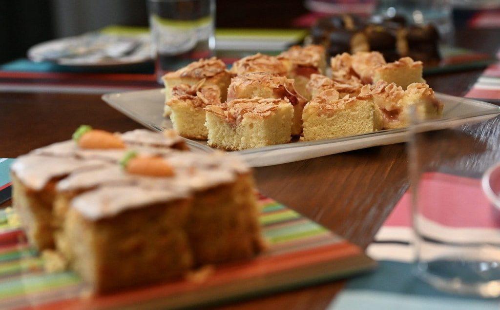 tarta de almendras y café